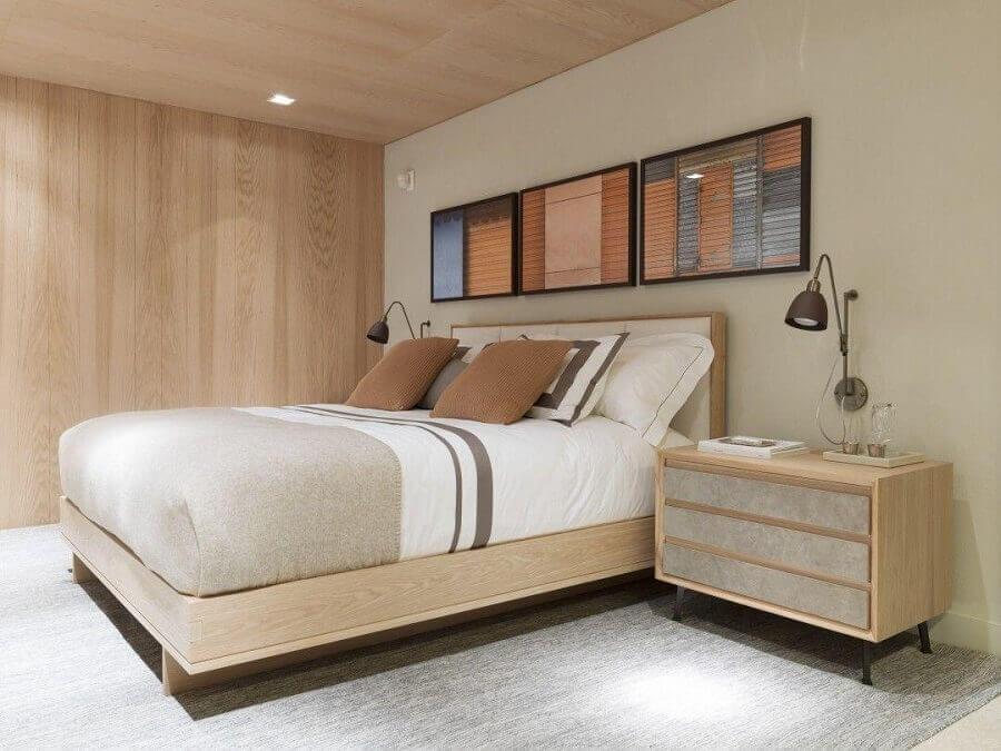 criado mudo de madeira para decoração de quarto de casal bege Foto Triplex Arquitetura