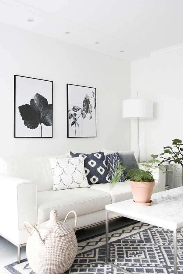 decoração clean com almofadas decorativas para sala branca  Foto Houzz