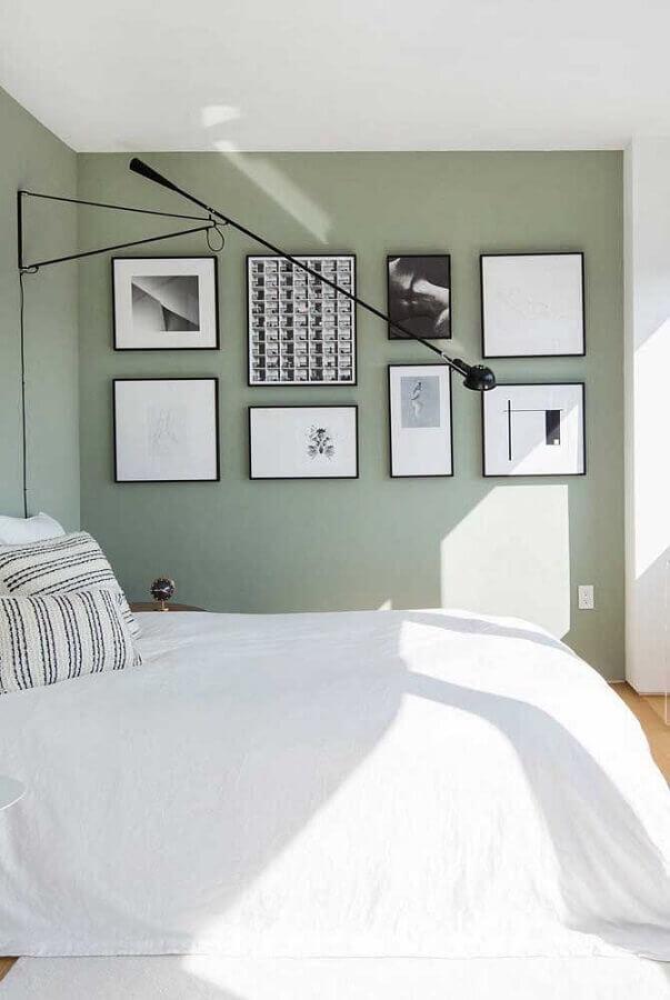 decoração clean para quarto com parede com quadros Foto Webcomunica