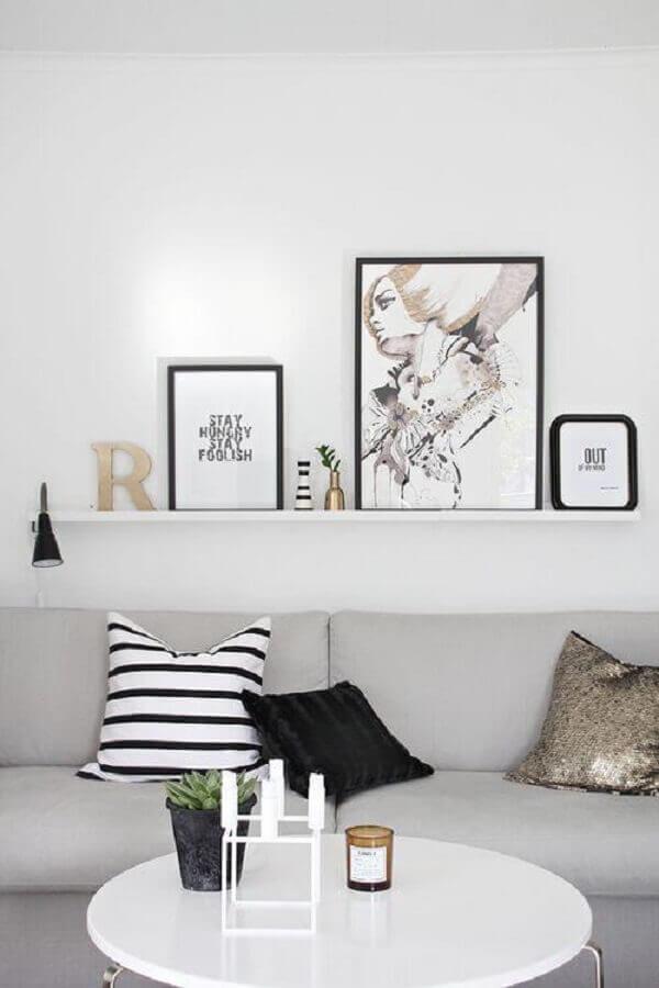 decoração clean para sala com mesa de centro redonda branca Foto Pinterest