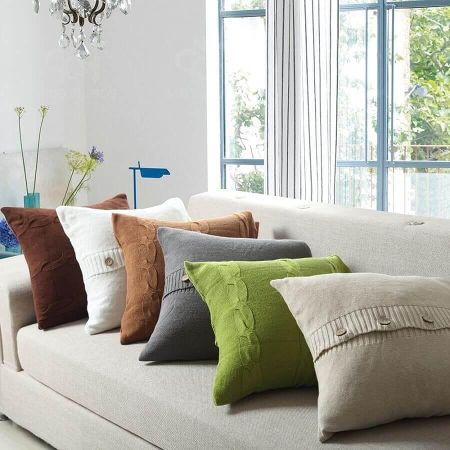 decoração com almofadas coloridas para sala Foto Pinterest