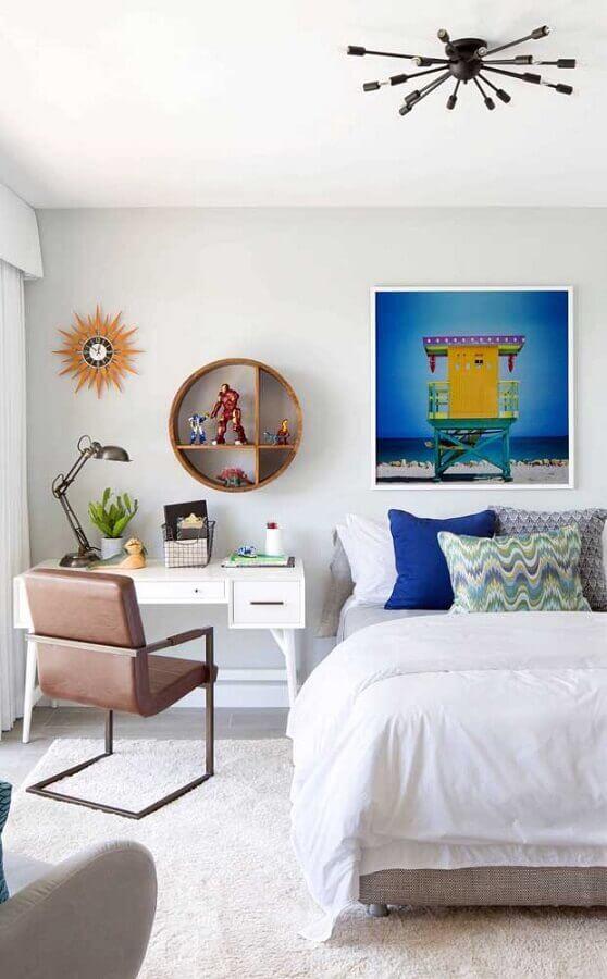 decoração com cadeira de estudo para quarto todo branco Foto Dcore Você