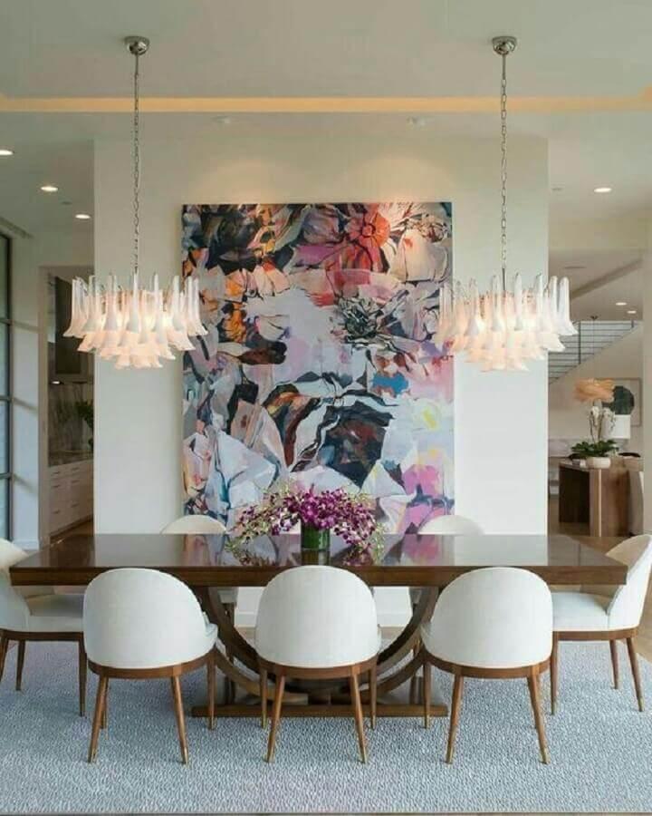 decoração com lustre moderno e quadro grande para sala de jantar Foto Pinterest