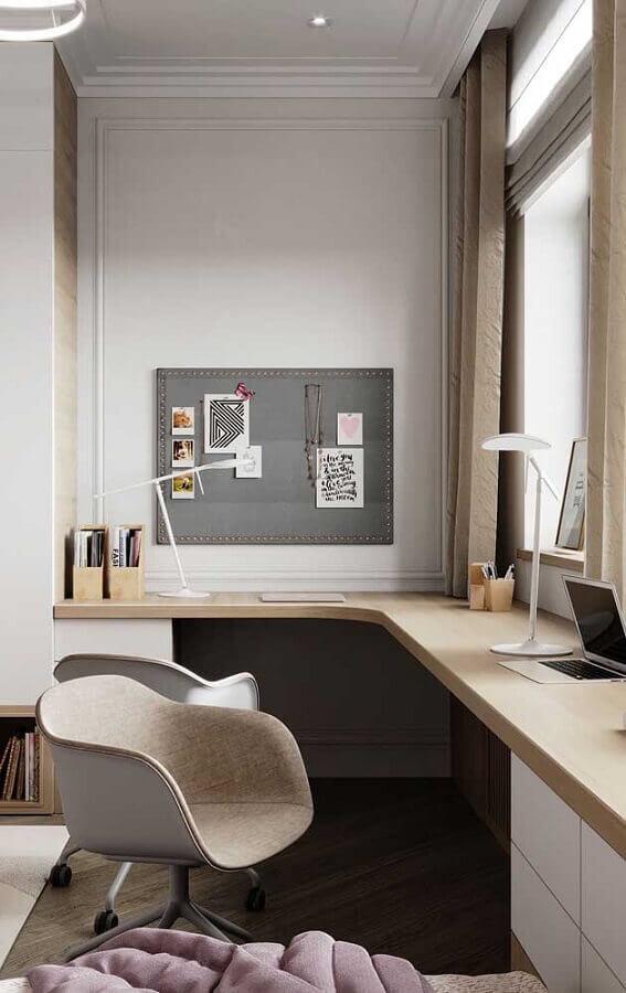 décoration avec table d'angle pour chambre prévue Foto Pinterest