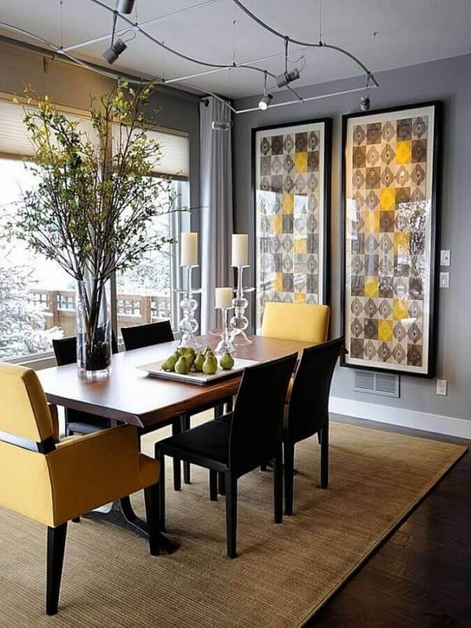decoração com quadros grandes para sala de jantar cinza e amarela Foto Home Fashion Trend