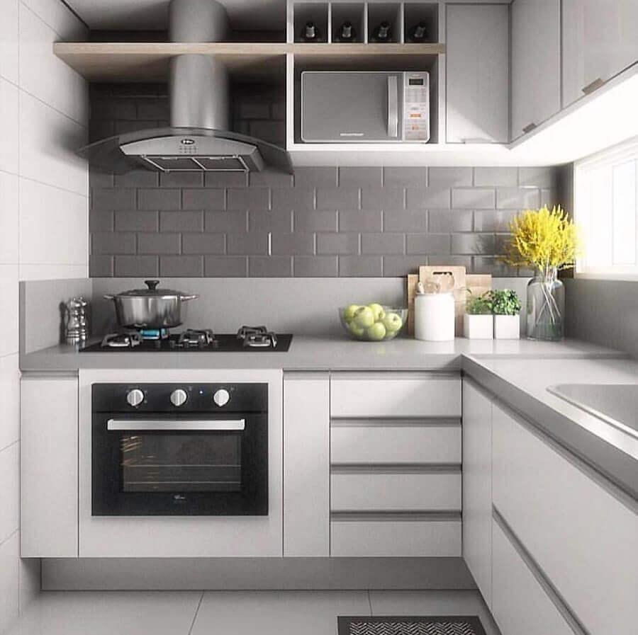 decoração com revestimento cinza para cozinha planejada de canto Foto Pinterest