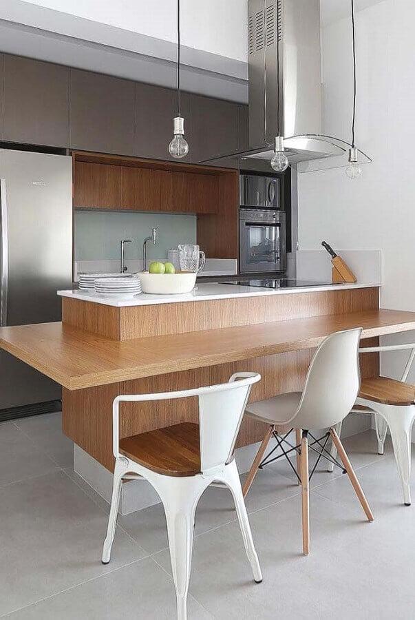 decoração de cozinha com balcão planejada com coifa de vidro Foto Home Fashion Trend
