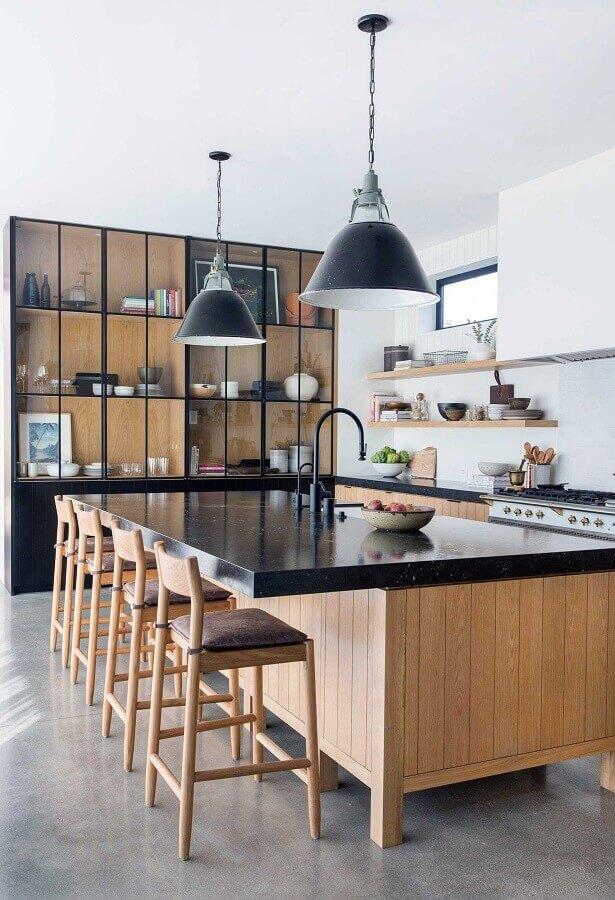 decoração de cozinha grande com balcão no meio Foto Pinterest