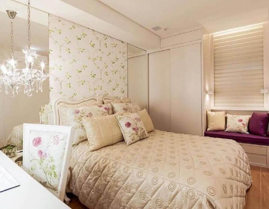 decoração de quarto de mulher com papel de parede floral Foto Pinterest