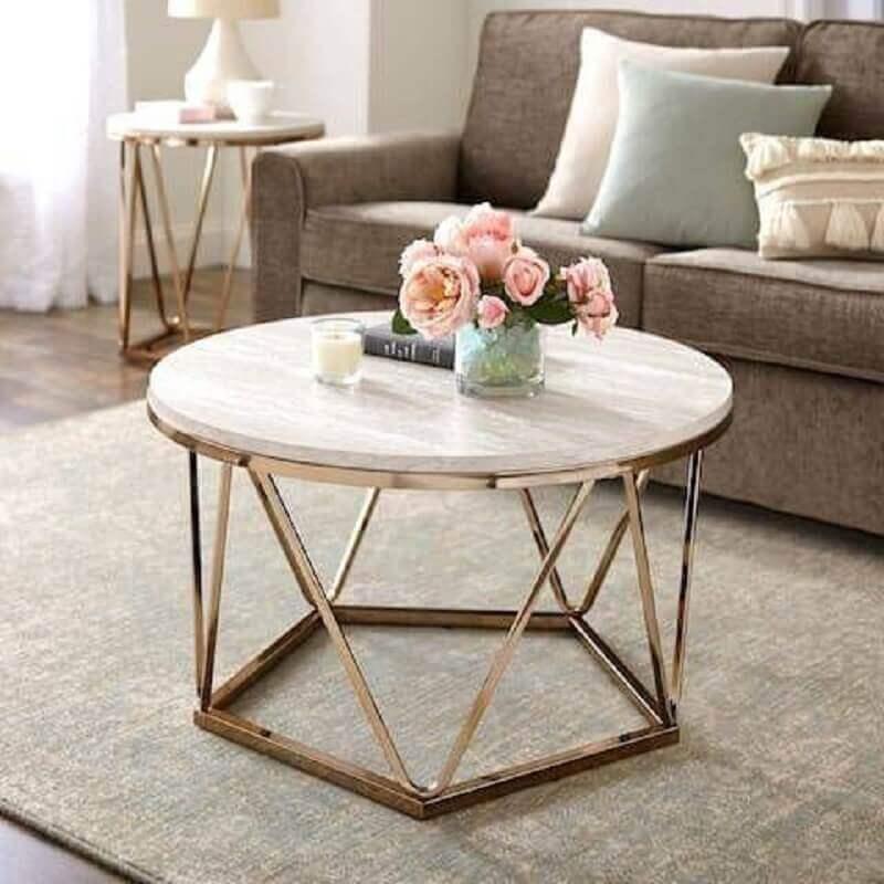 decoração de sala com mesa de centro redonda aramada Foto Pinterest