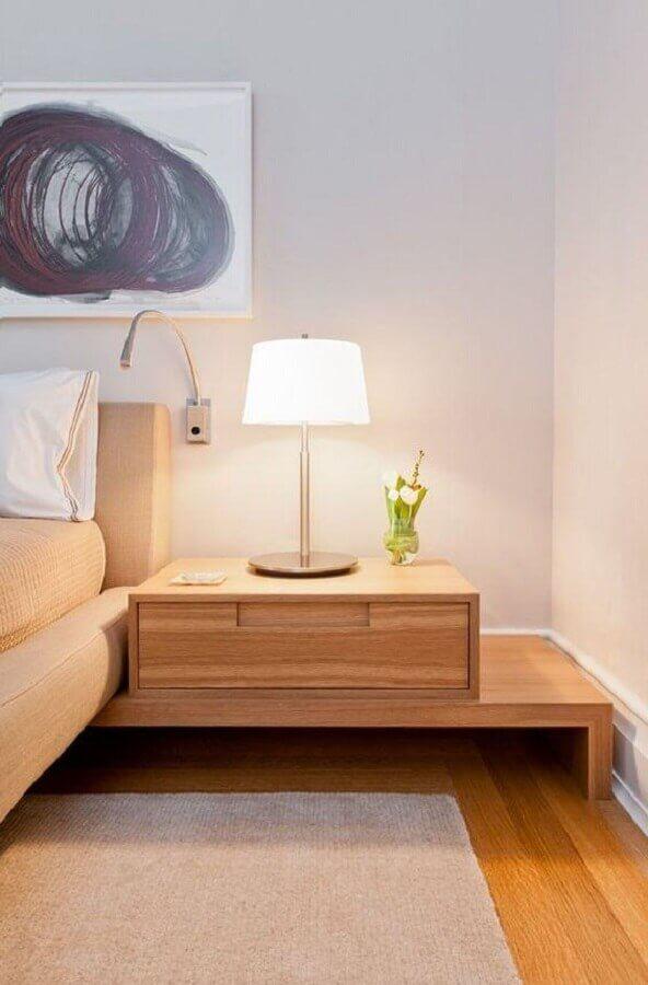 decoração em cores claras para quarto com criado mudo de madeira planejado Foto Home Fashion Trend