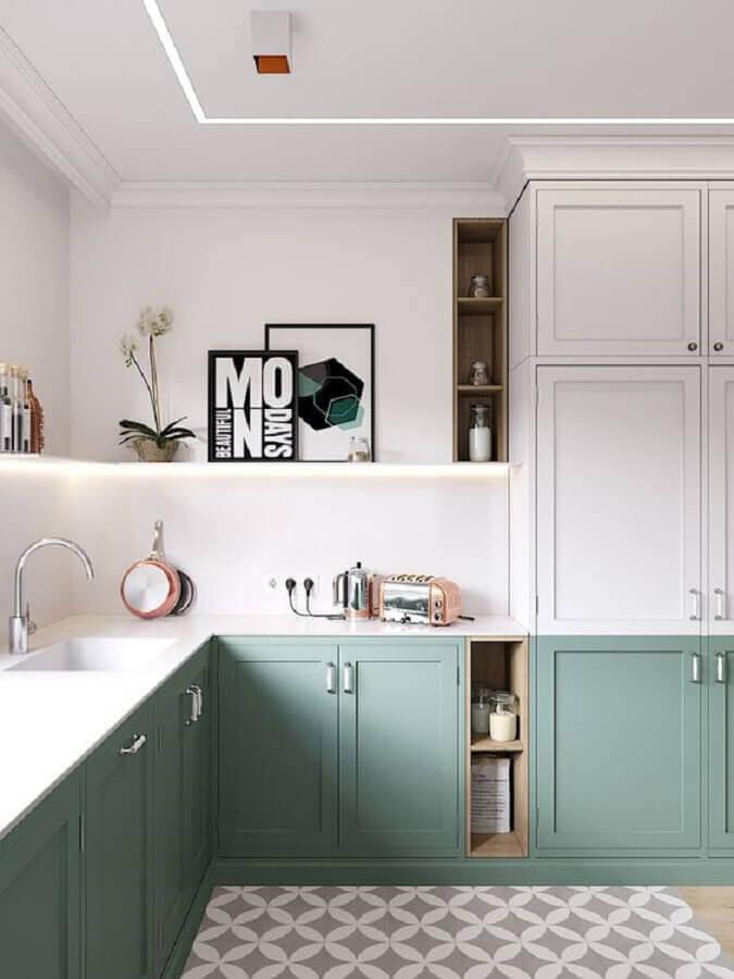 decoração estilo clássico para cozinha com balcão de canto e armários verde menta Foto Home Fashion Trend