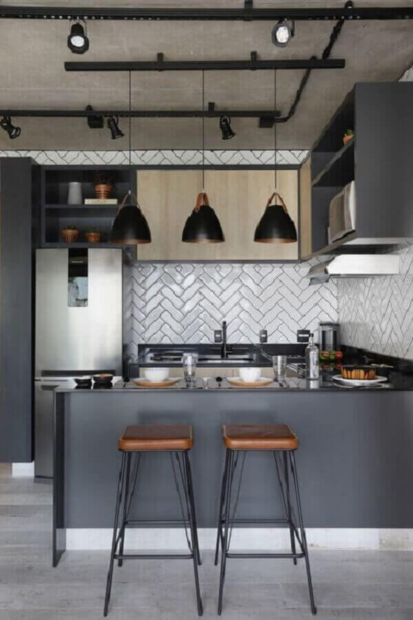 decoração estilo industrial para cozinha com balcão de canto cinza  Foto Home Fashion Trend