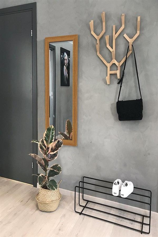 decoração estilo industrial para hall com cabideiro de parede de madeira Foto Pro Handmade