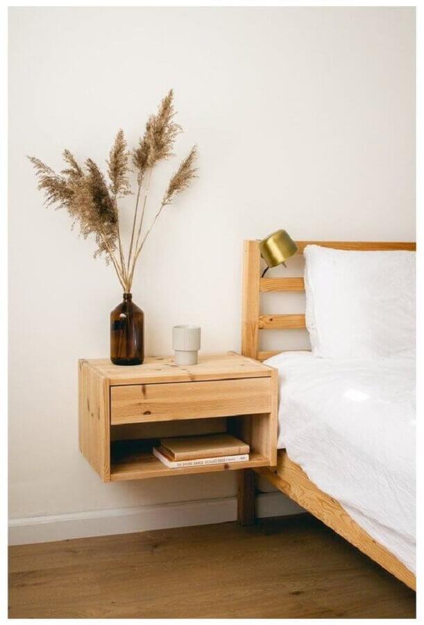 decoração minimalista para quarto com cama e criado mudo de madeira Foto Pinterest