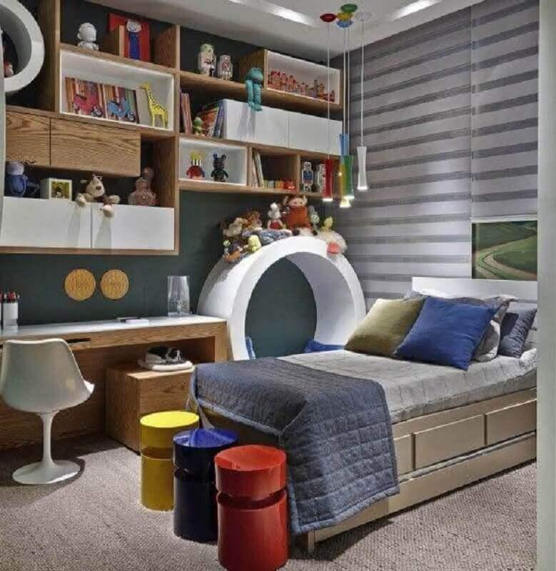 decoração moderna com mesa para quarto infantil planejado Foto Jeito de Casa