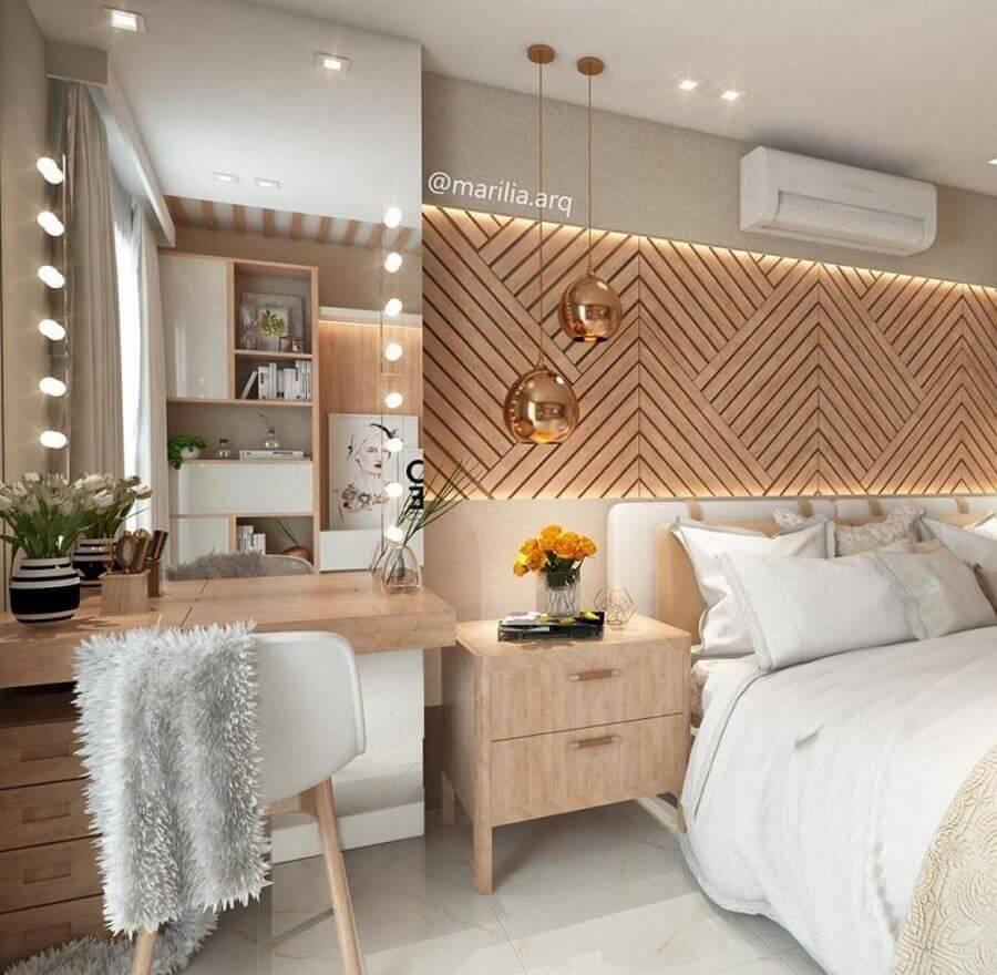 decoração moderna com revestimento amadeirado e cadeira para quarto feminino Foto Pinterest