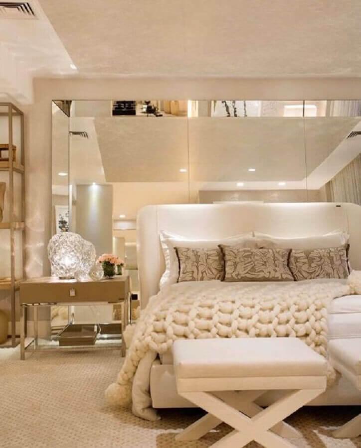 decoração moderna para quarto de casal bege sofisticado Foto Jeito de Casa