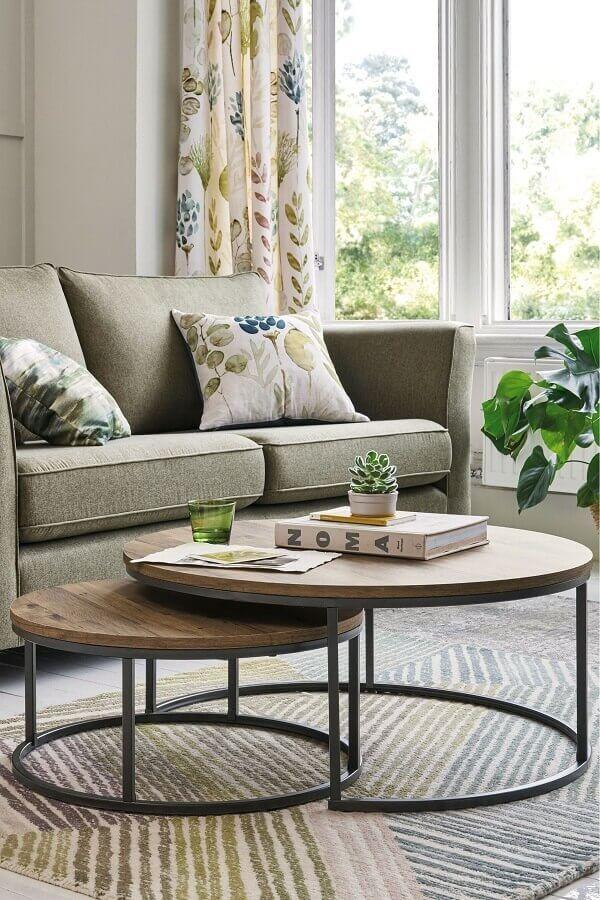 decoração para sala de estar com mesa de centro redonda dupla  Foto Homedit