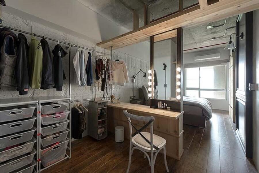 decoração rústica para quarto com closet com penteadeira camarim Foto Pinterest