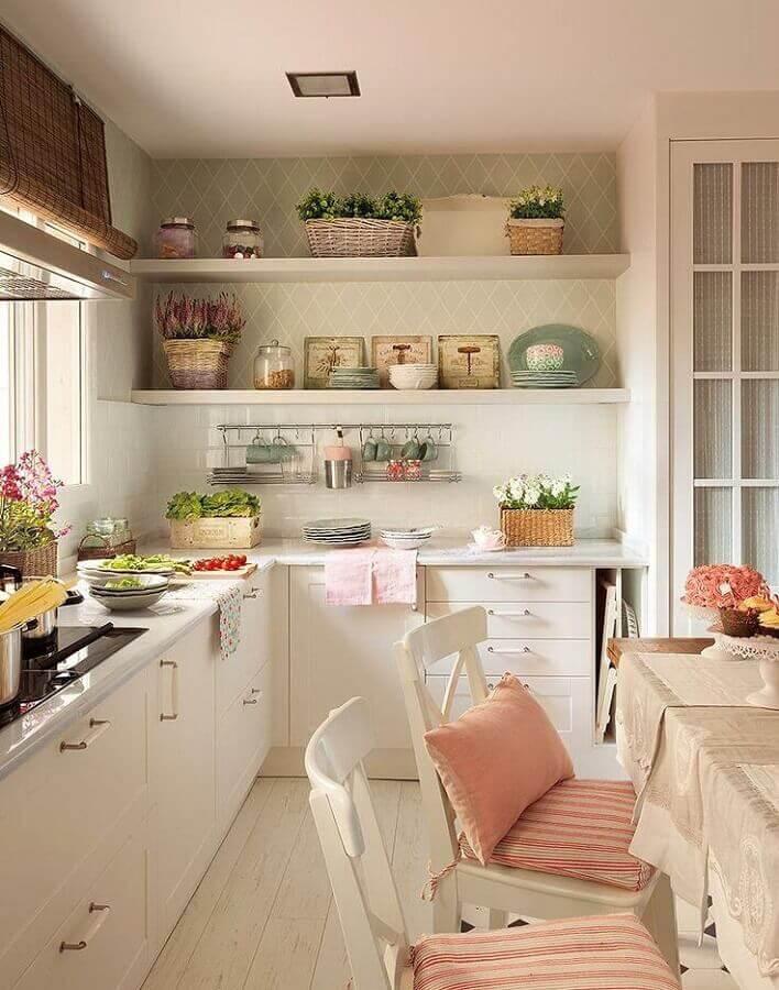 decoração simples para cozinha branca com balcão de canto Foto We Heart It