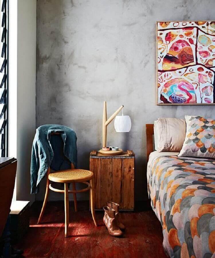 decoração simples para quarto com criado mudo de madeira rústica Foto Archtrends