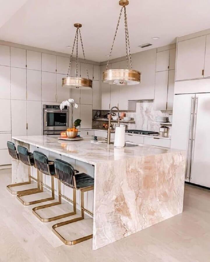 decoração sofisticada para cozinha com balcão de mármore no meio Foto We Heart It