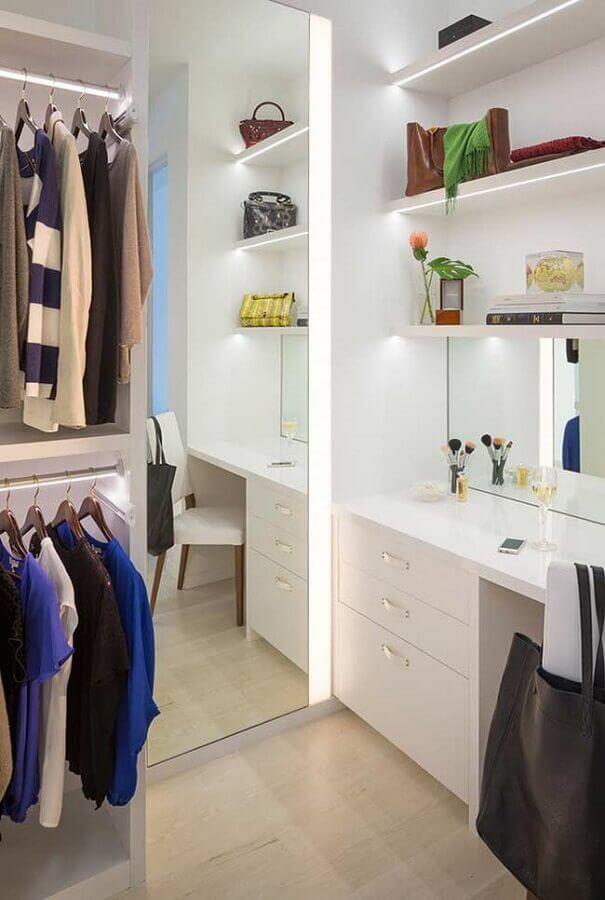espelho com led para decoração de closet com penteadeira Foto Houzz