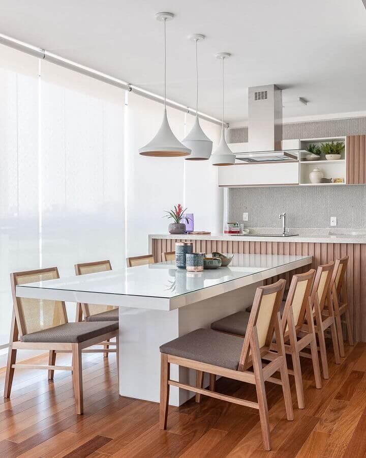 luminária branca para decoração de área gourmet moderna clean Foto Dicas de Mulher