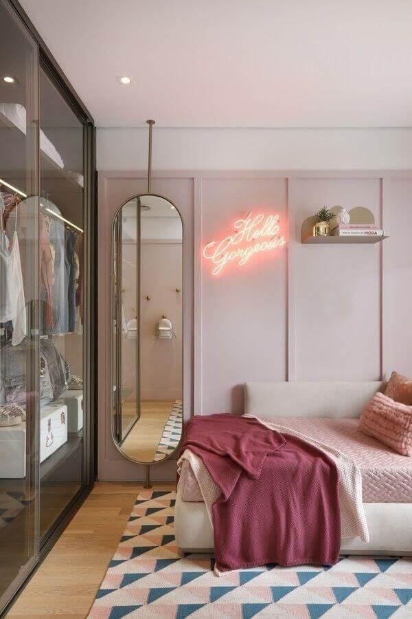 luminária neon para decoração de quarto de mulher Foto Pinterest