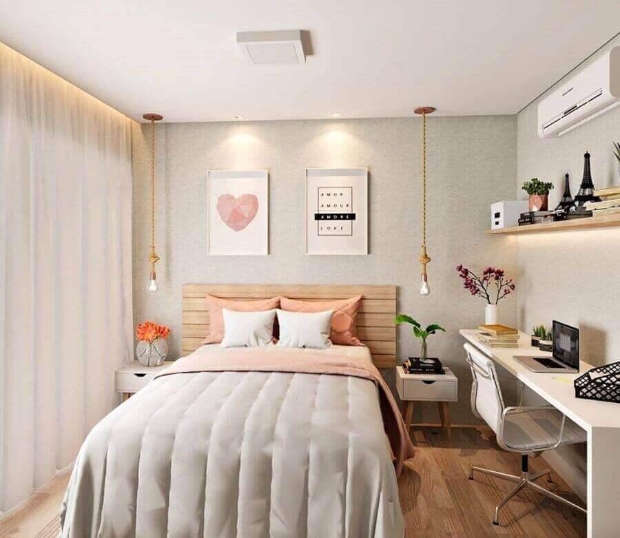 mesa de estudo para quarto feminino decorado com cabeceira de madeira e luminária de corda Foto Casa de Valentina
