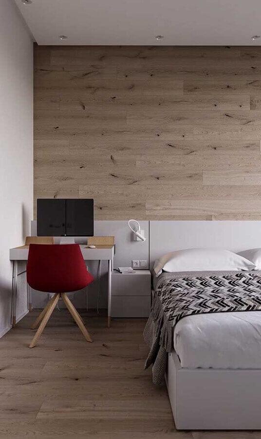 mesa pequena para quarto de casal decorado com parede amadeirada Foto Home Fashion Trend