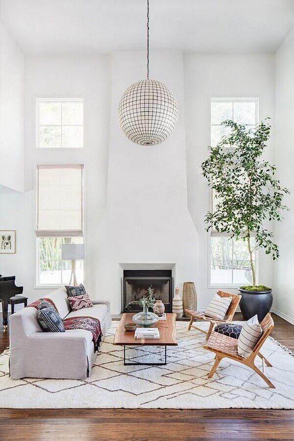 modelos de tapetes para sala de estar com decoração clean Foto Elle Decor