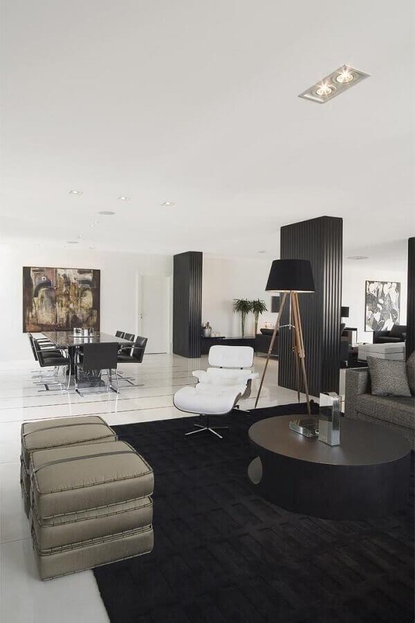 modelos de tapetes preto para decoração de sala de estar moderna Foto Jayme Bernardo