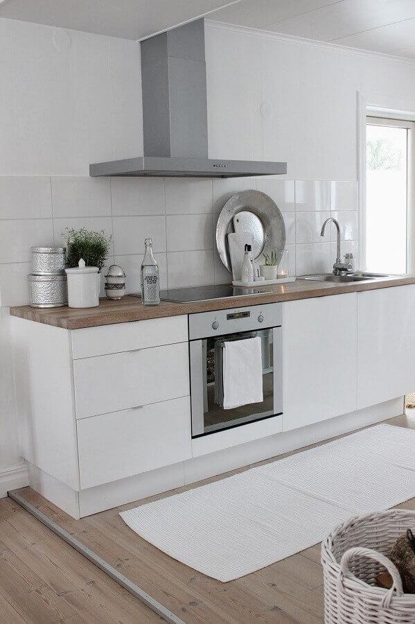 modelos de tapetes simples para decoração de cozinha branca Foto Pinterest