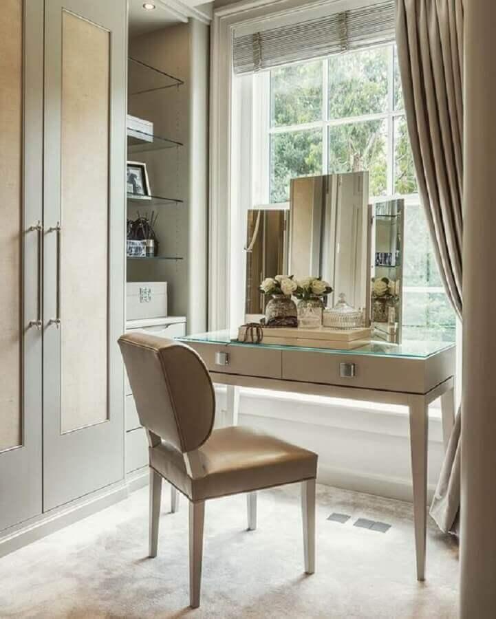 prateleiras de vidro para decoração de closet com penteadeira Foto We Heart It