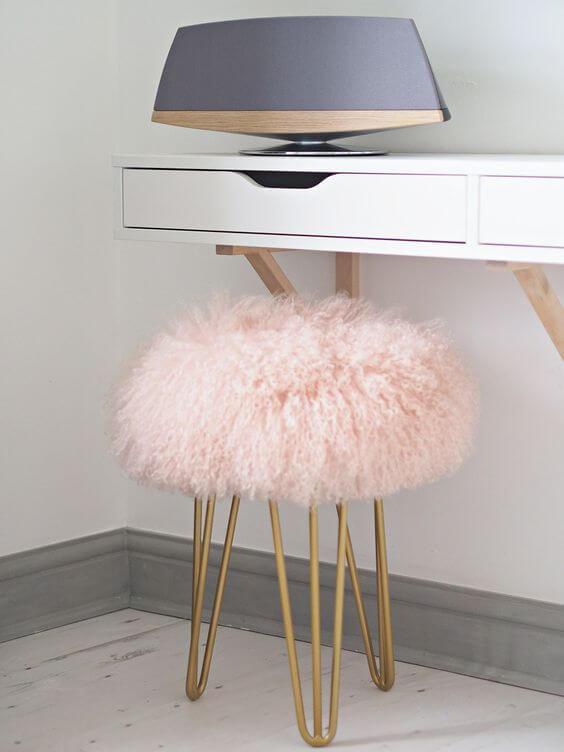 Puff rosa com dourado
