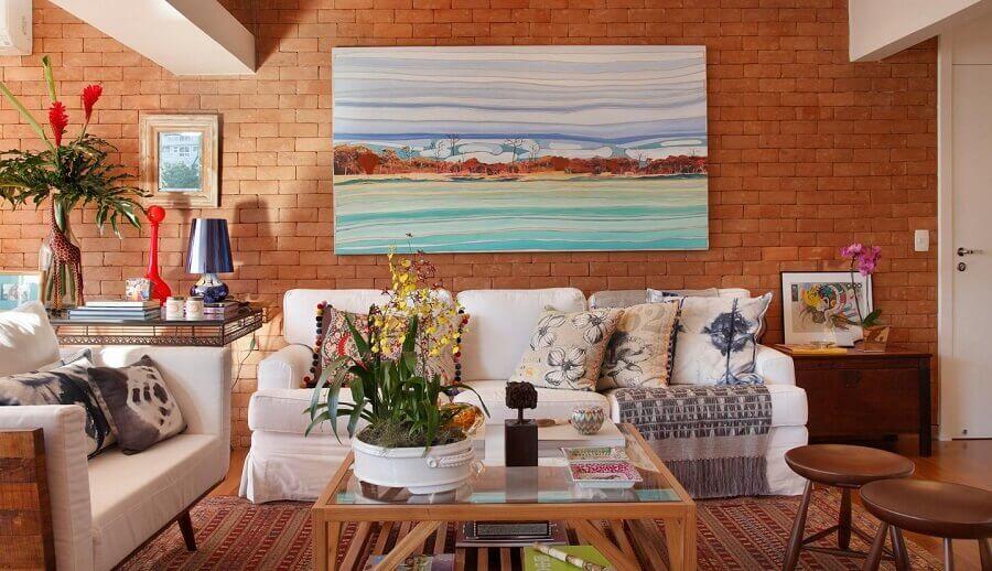 quadro grande para decoração de sala de estar com parede de tijolinho Foto Escala Arquitetura
