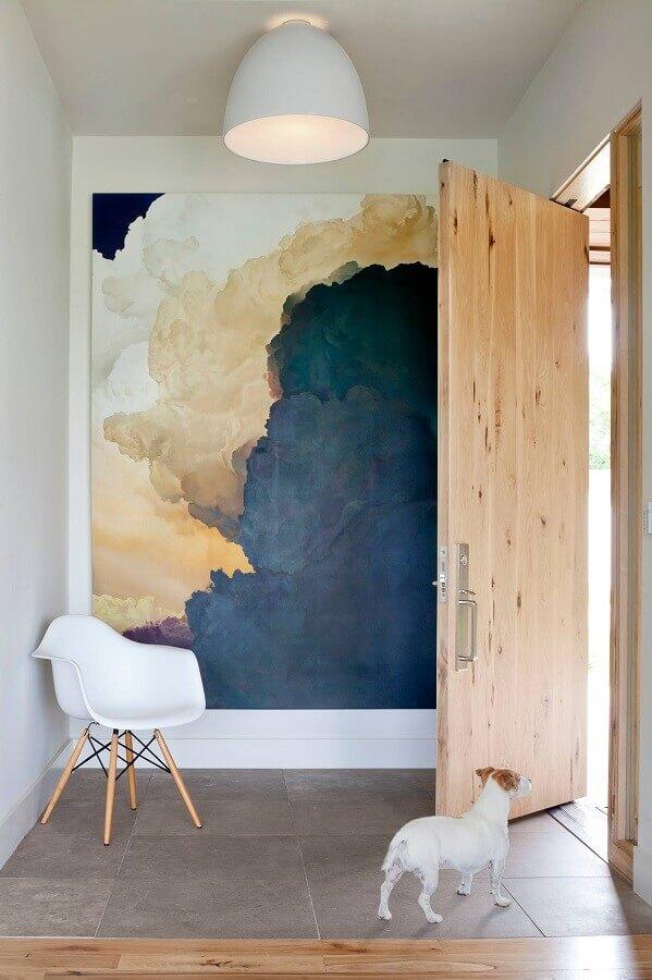 quadro grande para hall de entrada decorado com porta de madeira Foto Archidea
