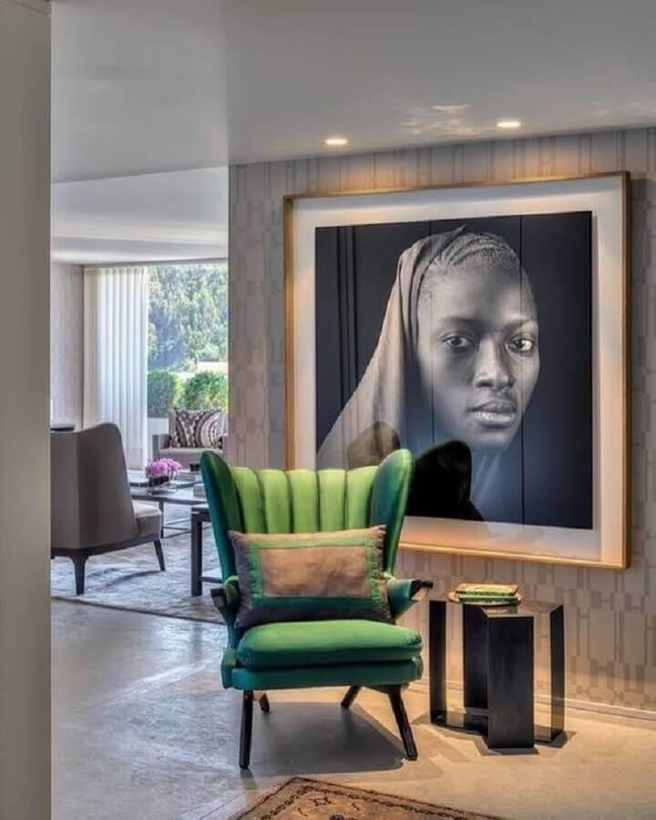 quadro grande para hall moderno decorado com poltrona verde Foto Pires e Medeiros Arquitetura