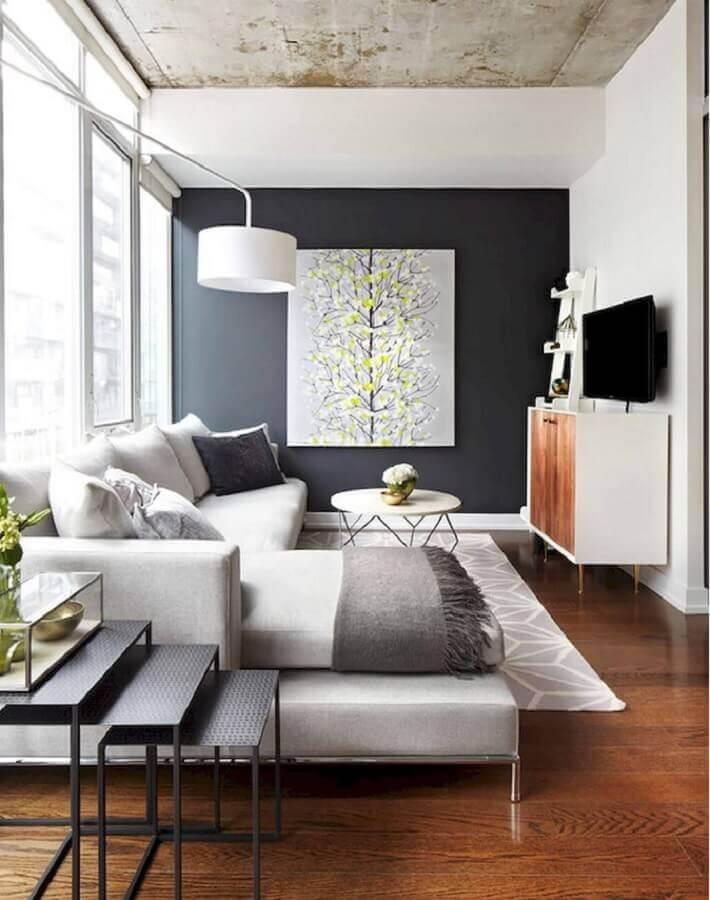 quadro grande para sala de estar cinza e branca decorada com sofá com chaise Foto Pinterest