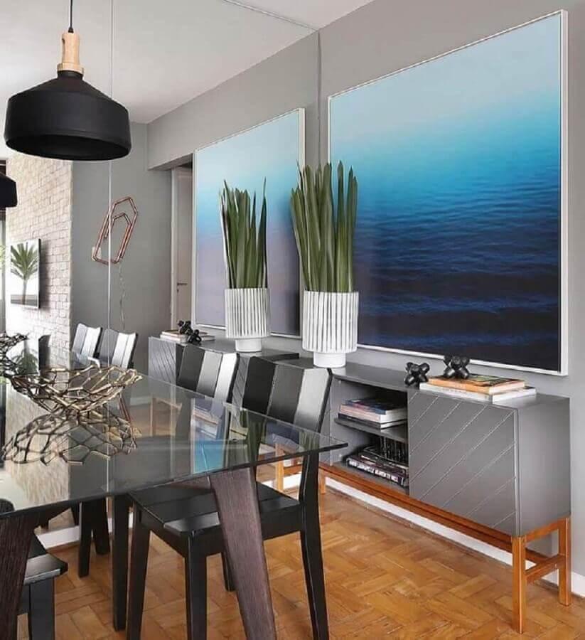quadro grande para sala de jantar cinza decorada com parede espelhada Foto Pinterest