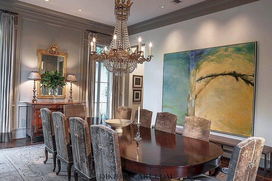 quadro grande para sala de jantar sofisticada decorada com lustre de cristal Foto Pinterest