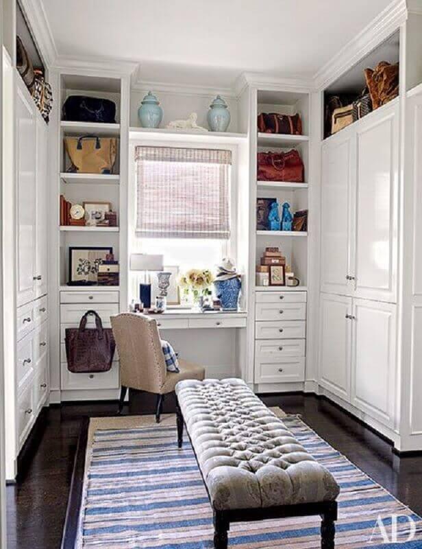 recamier capitonê para decoração de closet casal com penteadeira Foto Architectural Digest