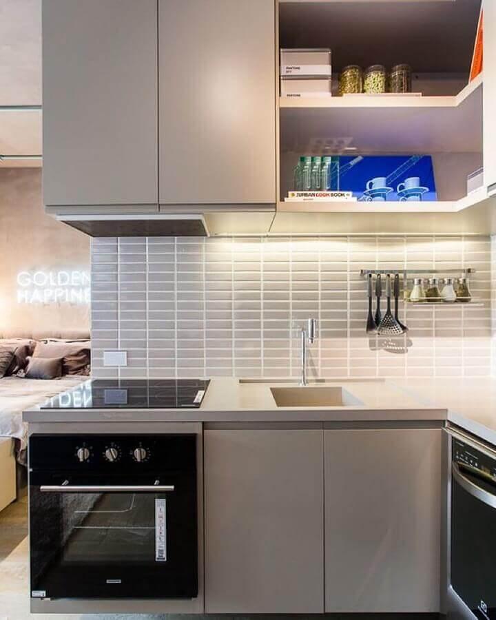 revestimento cinza claro para decoração de cozinha de canto planejada Foto Suite Arquitetos