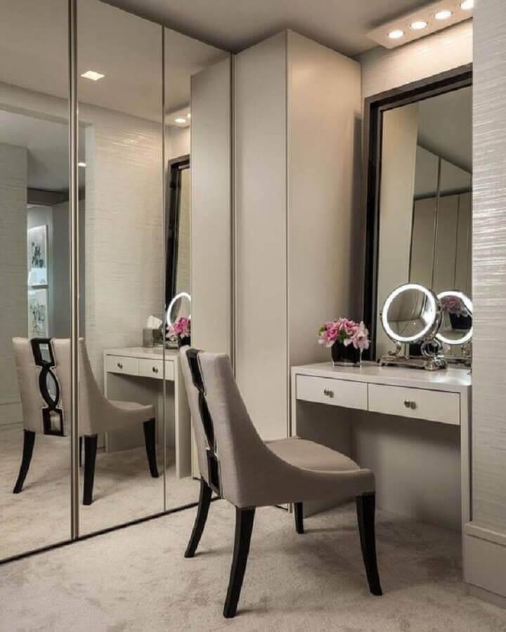 tons de cinza para decoração de closet feminino com penteadeira Foto Houzz