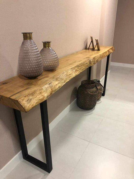 Aparador rústico com pés de ferro