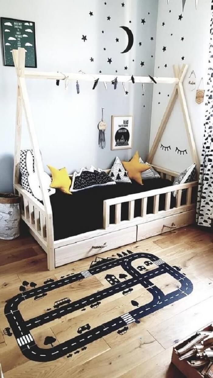 As almofadas decorativas infantil estampadas trazem um toque especial para o quarto montessoriano. Fonte: Etsy
