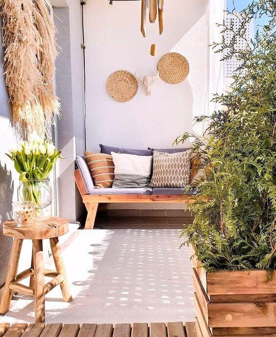 Banco de jardim com confortável para relaxar
