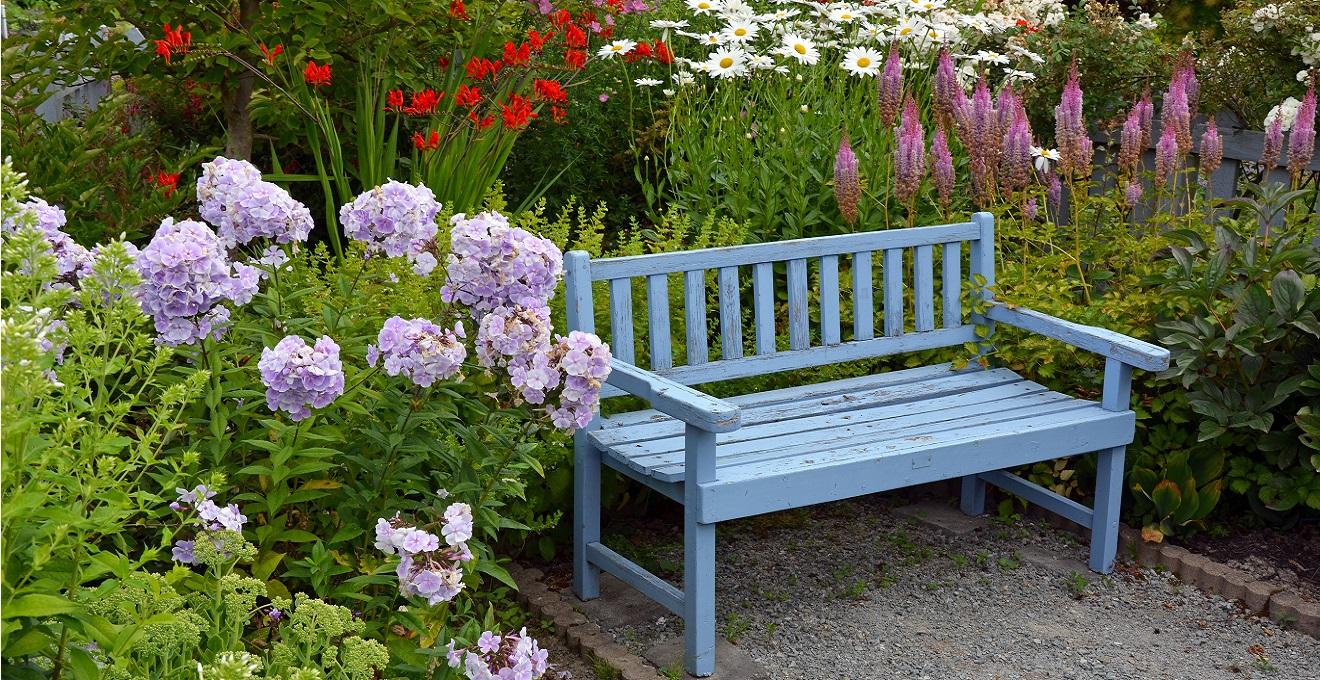 Banco de madeira para jardim